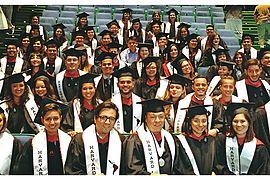 2015-latino-graduation